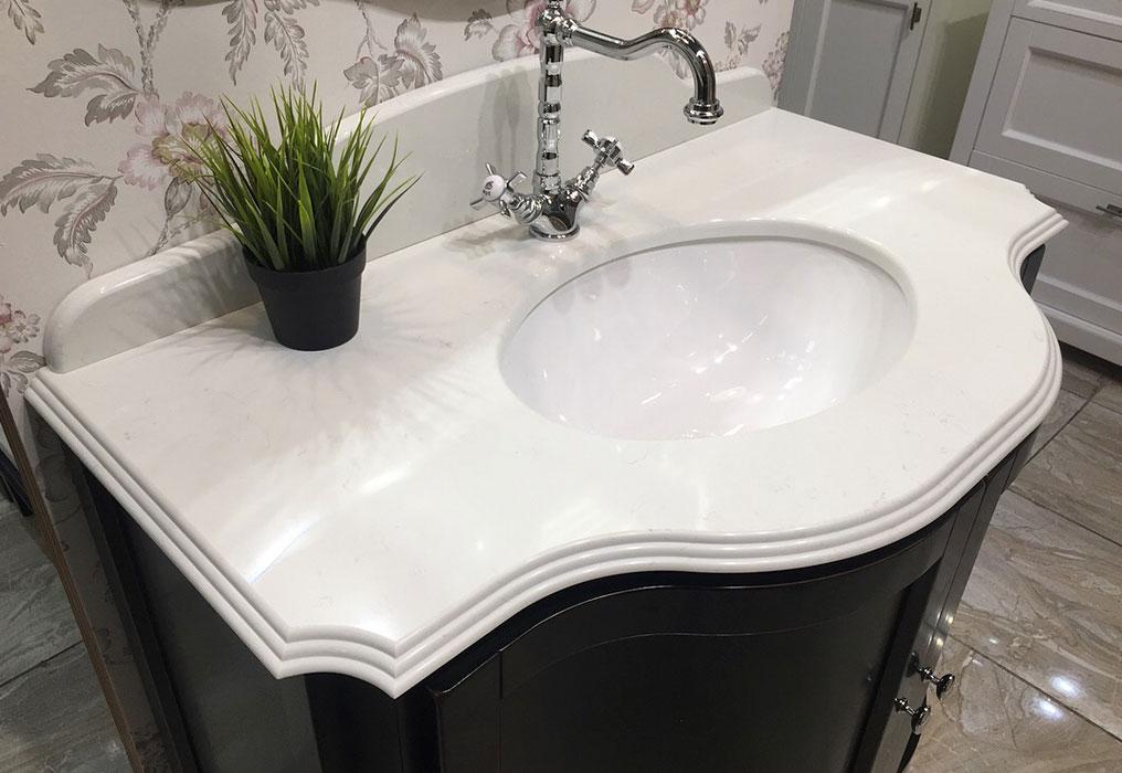 Столешница для ванной из кварцевого агломерата