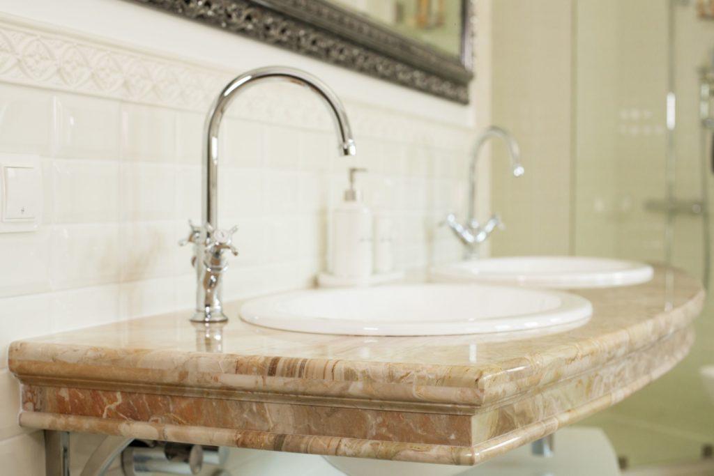 Столешницы из мрамора для ванной