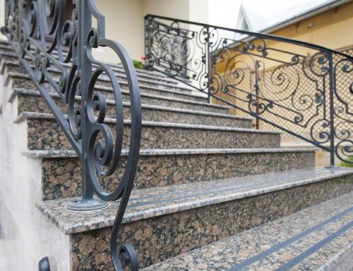 Лестница из гранита Балтик Браун